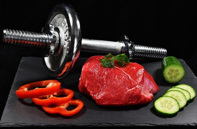 build mucles, protein meals, diet for body builders