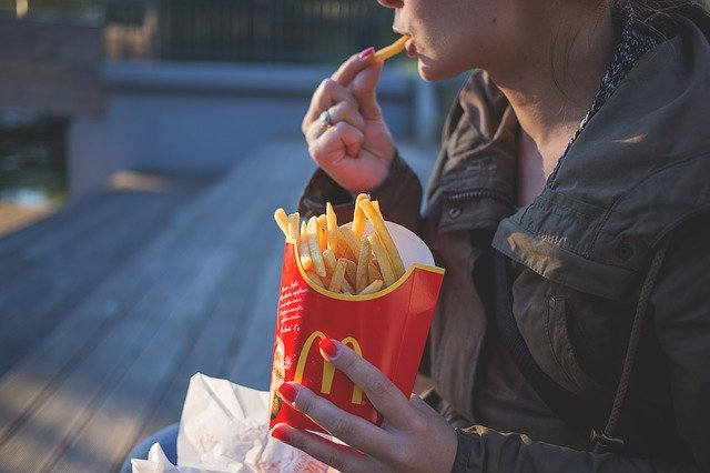 fast food and weight loss, french fries, greasy food